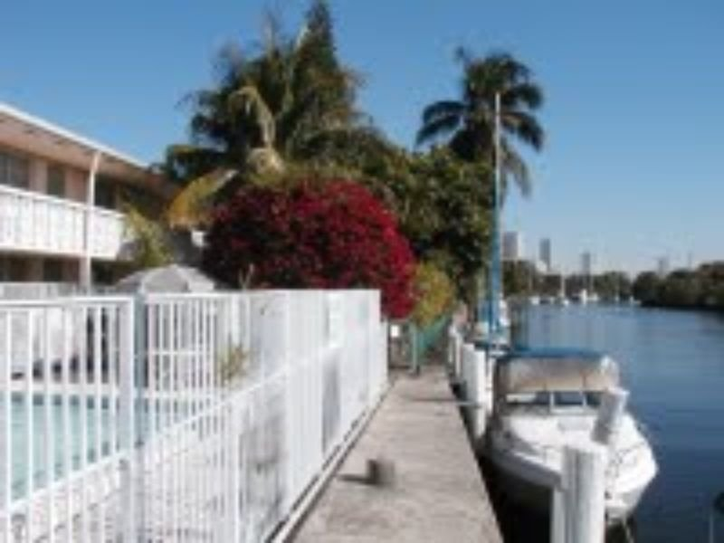 Apartment For Rent In 1160 North West North River Drive Miami Fl
